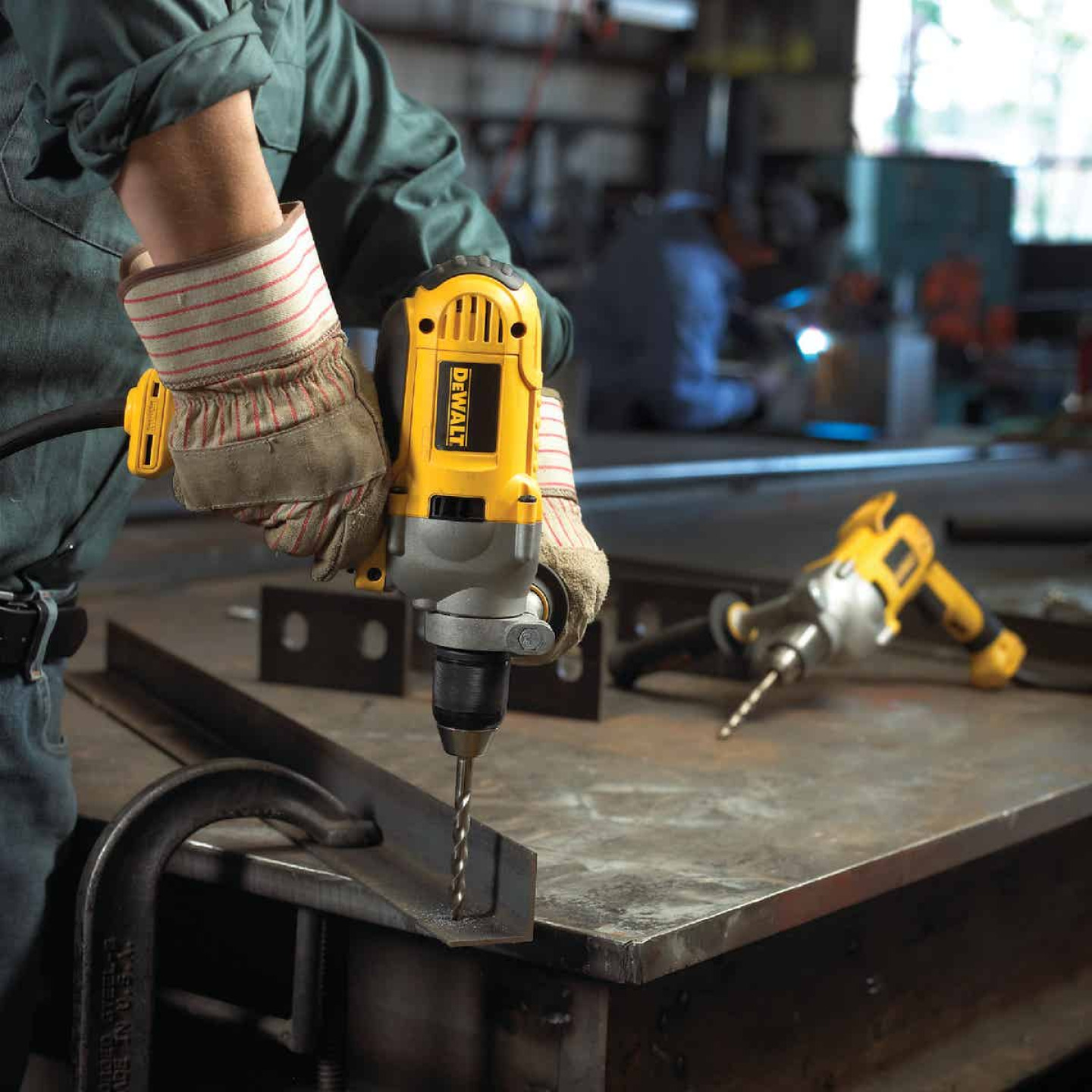 DeWalt 1/2 In. 10-Amp Keyless Electric Drill with Mid-Handle Grip Image 2